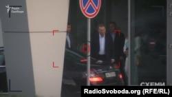 Другий президент України та представник української сторони у тристоронній групі Леонід Кучма у VIP-терміналі аеропорту «Київ» 26 серпня 2016 року