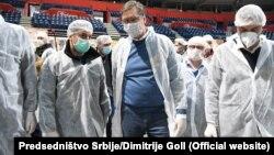 Aleksandar Vučić sa volonterima u Štark Areni u Beogradu, 25. marta 2020