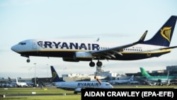 IRELAND-- A Ryanair Boeing 737 landing at Dublin Airport, September 28, 2017.