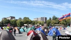 Armenia - Supporters of the opposition Armenian National Congress camped out in Yerevan's Liberty Square, 4Oct2011.