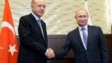Recep Tayyip Erdoğan (solda) və Vladimir Putin görüşdən sonra