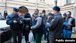 Таджикские мигранты в России