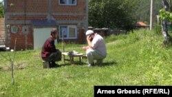 БиХ, село Осле во кое православните Срби и салафиите живеат заедно (РСЕ фото)