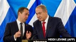نخستوزیر اسرائیل (راست) هفته گذشته نیز با دمیتری مدودف همتای روس خود در مورد سوریه گفتوگو کرد.