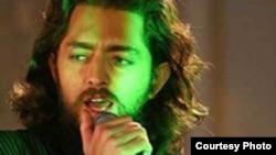 بهران رادان در فیلم علی سنتوری نقش شخصیت اصلی را ایفا می کند.