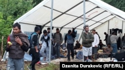 Migranti u kampu Vučjak kod Bihaća, 17. jun 2019.
