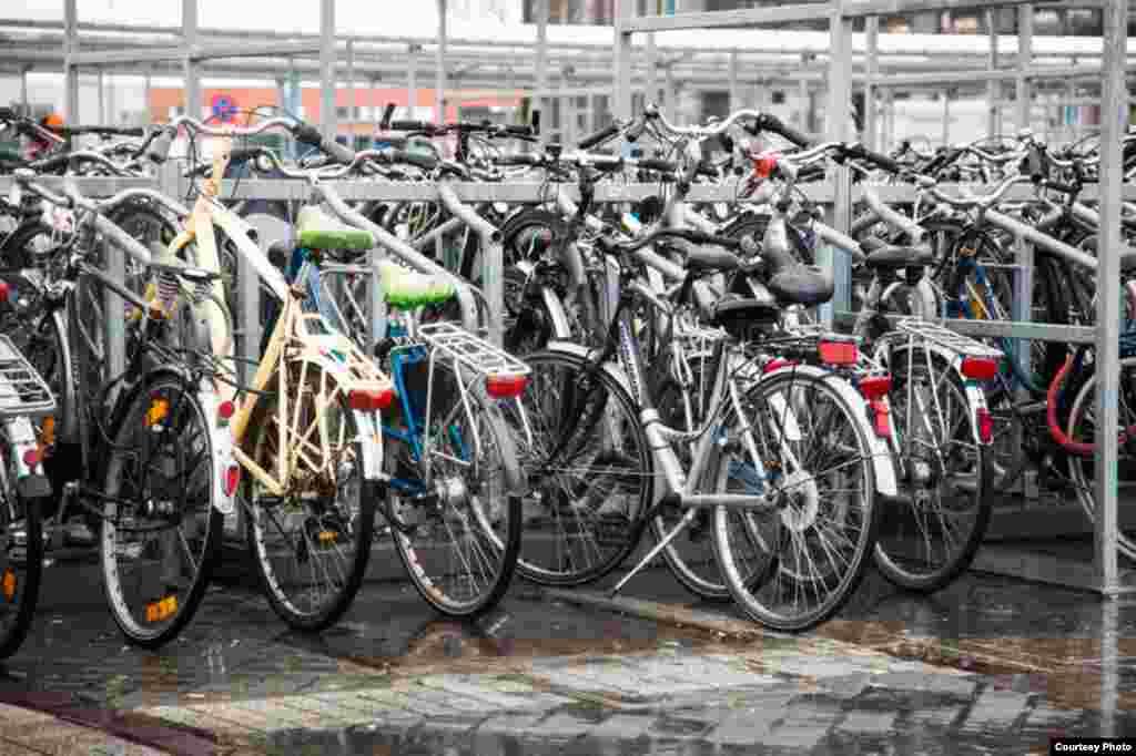 Летом Остенде - стотысячный город. Зимой число жителей приходит в норму: ровно 68.931 человек