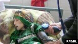 یک دختر عراقی قربانی بمب گذاری های انتحاری