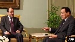 مبارك يستقبل المالكي