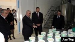 İlham Əliyev Tovuz süd emalı zavodunun açılışında