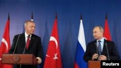 ولادیمیر پوتین در کنفرانس مطبوعاتی مشترک و رجب طیب اردوغان.