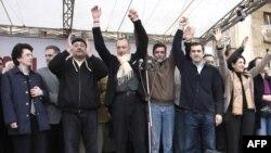 Оппозиционное прошлое Саломе Зурабишвили (вторая справа)