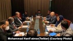 دیدار وزیر خارجه افغانستان با همتای پاکستانیاش در آستانه کنفرانس کشورهای سازمان همکاری اسلامی.