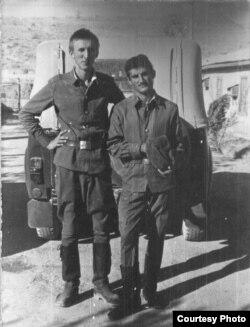 З аднапалчанінам-таджыкам у Кабуле. 1985 год