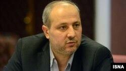 مناف هاشمی در چند هفته گذشته و همزمان با سیل استان گلستان در سفر خارج از کشور به سر میبرد
