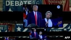 کلینتون و ترامپ در جریان دومین مناظره انتخاباتی