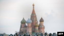 Сколько солдат нужно современной России?