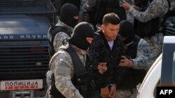 Полицијата утрово ги доведе осомничените во Скопскиот кривичен суд.