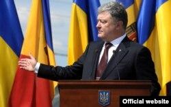 Президент України Петро Порошенко виступає проти дострокових виборів