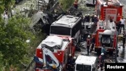 Թուրքիա - Ոստիկաններն ու փրկարարները պայթյունի վայրում, Ստամբուլ, 7-ը հունիսի, 2016թ.