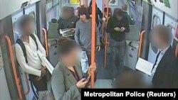 Снимки с камеры видеонаблюдения в вагоне метро, где произошел взрыв