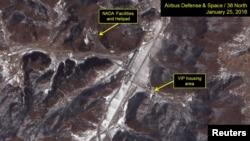 تصاویر ماهوارهای که آماده سازی سکوی پرتاب موشک کره شمالی را نشان میدهد.