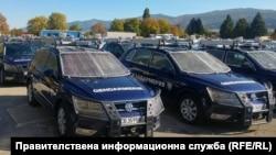 Част от закупените с втората поръчка през 2017 г. 51 автомобила Volkswagen Tiguan, представени от МВР заедно с 290-те джипа Great Wall, 7 октомври 2018 г.