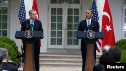 Բարաք Օբամայի եւ Ռեջեփ Էրդողանի համատեղ ասուլիսը Սպիտակ տանը նրանց բանակցություններից հետո, 16-ը մայիսի, 2013թ.
