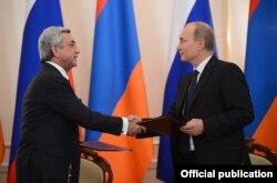 Президент России Владимир Путин и президент Армении Серж Саргсян (слева). Москва, 3 сентября 2013 года.