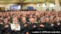 Kasem Sulejmani (u sredini) bio je na čelu iranskih Kuds snaga od 1997.