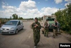 Блок-пост сепаратистов под Луганском