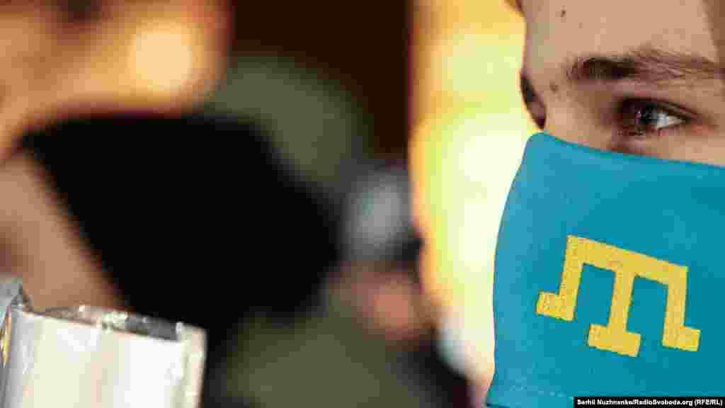 Активісти міжнародного громадського руху #LiberateCrimea 27 лютого на Майдані Незалежності провели акцію «Україно, пам'ятай: Крим окупований» приурочену до «Дня спротиву Криму російській окупації»