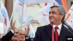 Sərkisyan 2007-ci ildən Ermənistanın baş naziridir. Respublika Partiyasının sədridir