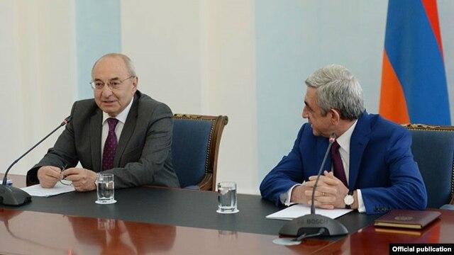 Armenia - President Serzh Sarkisian (R), meets with Vazgen Manukian and other members of the Public Council, Yerevan, 24Jul2014.