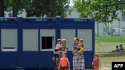 Лагерь для лиц, подавших прошение об убежище. Айзенхюттенштадт, Германия