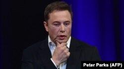 Илон Маск, Tesla компаниясының негізін салушы.