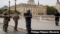 Selia Qendrore e policisë në Paris.