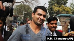 Suspended Pakistani cricketer Shahzaib Hasan leaves court (file photo)