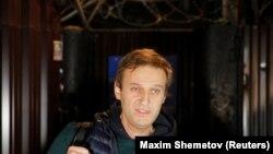 Алексей Навальный Москвадагы абактан бошотулган учур. 14-октябрь, 2018-жыл.