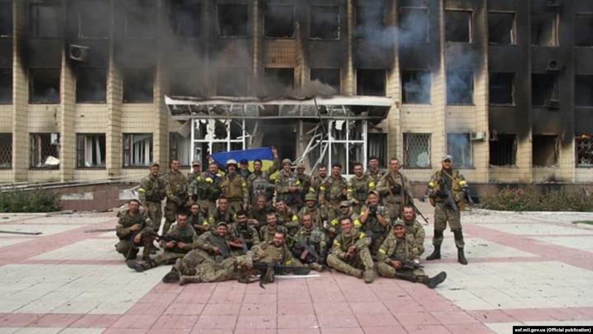 8 часов в здании, по которому бьет танк: как ВСУ освобождали Торецк