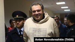 Boris Mazo, the director of the Property Management and Investment Policy Department of Russia's Ministry of Culture, appears for a court hearing in Moscow in 2017.