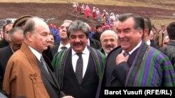 Tajik President Emomali Rahmon (right) and Prince Karim Aga Khan IV (left), launch the construction of a new bridge between Tajikistan and Afghanistan late last year. (file photo)