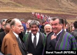 Духовный лидер исмаилитов Ага Хан (слева) и президент Таджикистана Эмомали Рахмон. Ноябрь 2011 года.