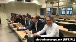 Обвинетите Миле Јанакиески, Спиро Ристовски, Трајко Вељаноски и Владимир Атанасовски на прво рочиште од судењето за 27 април