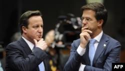 Մեծ Բրիտանիայի վարչապետ Դեյվիդ Քեմերոն (ձախից) և Նիդերլանդների վարչապետ Մարկ Ռյուտտե, արխիվ