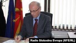 Претседателот на Комисија за верификација на факти Томе Аџиев.