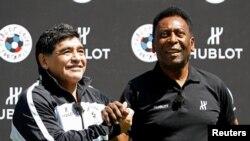 Dünya futbol ulduzları Diego Maradona və Pele Avropa Çempionatında (Fransa)