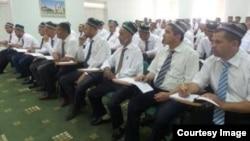 Имамы мечетей в Узбекистане. Архивное фото.