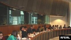 Европа парламенти биносида бўлиб ўтган 4 май кунги йиғинда Европа қўмитаси вакилларидан ҳеч ким иштирок этмади.