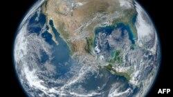 NASA түсірген Жер планетасының көрінісі. 26 қаңтар, 2012 жыл. Көрнекі сурет.